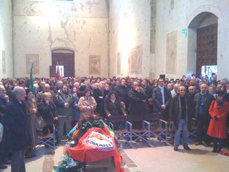 Un momento della cerimonia funebre
